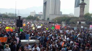 Manifestantes en Monterrey. Enero 2017